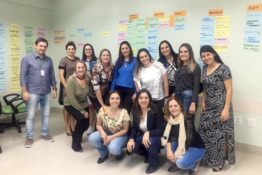 <p>Empresárias de Paiçandu estiveram reunidas na última quinta-feira, dia 15, para a segunda reunião do Núcleo da Mulher Empreendedora. No encontrou, realizado no...