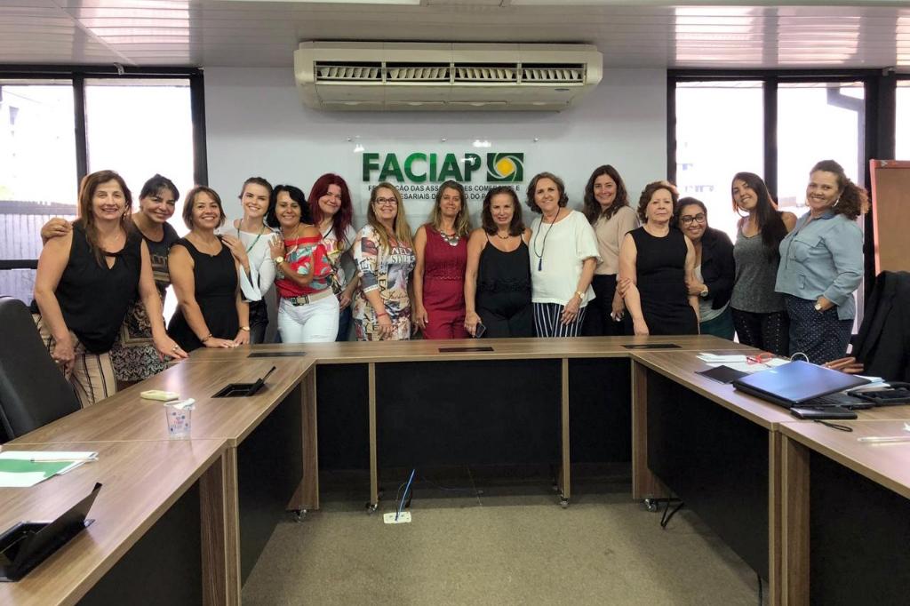 <p>A conselheira da ACIP, Maria Regina Seibel Pontim, que tamb&eacute;m &eacute; vice-presidente da Cacinor Mulher, participou nesta segunda-feira, dia 21, da primeira reuni&atilde;o da Faciap Mulher...
