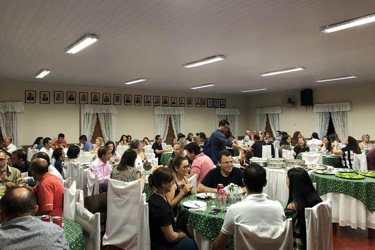 <p>A ACECA (Associa&ccedil;&atilde;o dos Contabilistas e Empresas Cont&aacute;beis de Arapongas) realizou no &uacute;ltimo s&aacute;bado, dia 10, o seu tradicional jantar de...