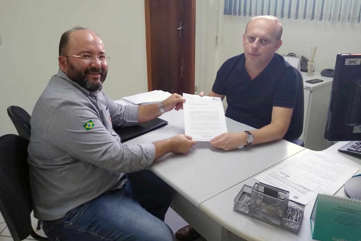 <p>Desde a última sexta-feira, dia 10, a ACECA (Associação dos Contabilistas e Empresas Contábeis de Arapongas) têm recebido relatos de diversos profissionais da...